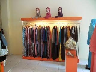 interior toko pakaian cantiqu semarang 05