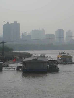 O rio Amarelo passando por Lanzhou