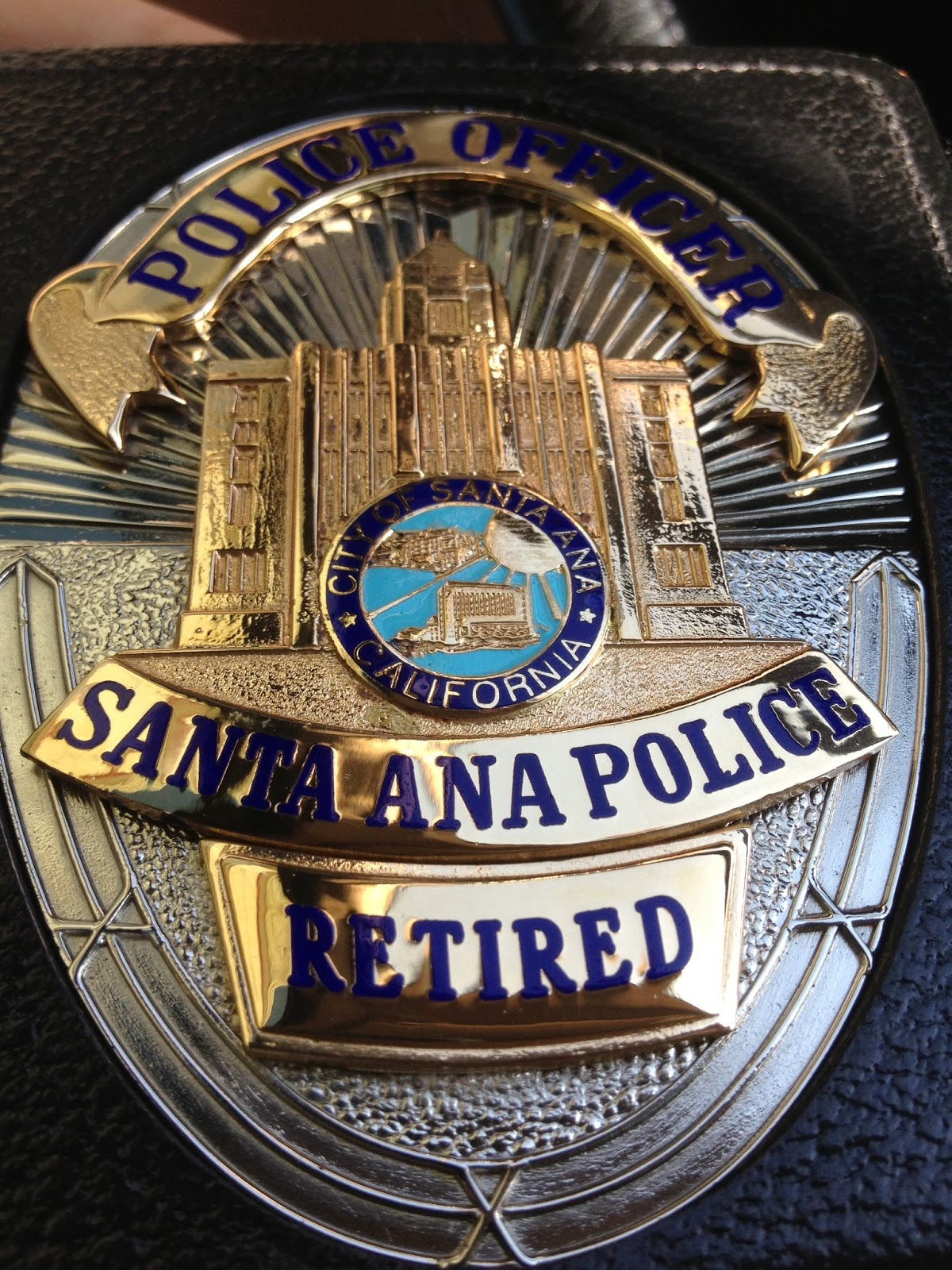 This vagabond life la policia mexicano another tidbit on dinh he worked as a police officer for 10 years in orange county and is now retired this isnt the first time that badge has helped us publicscrutiny Images