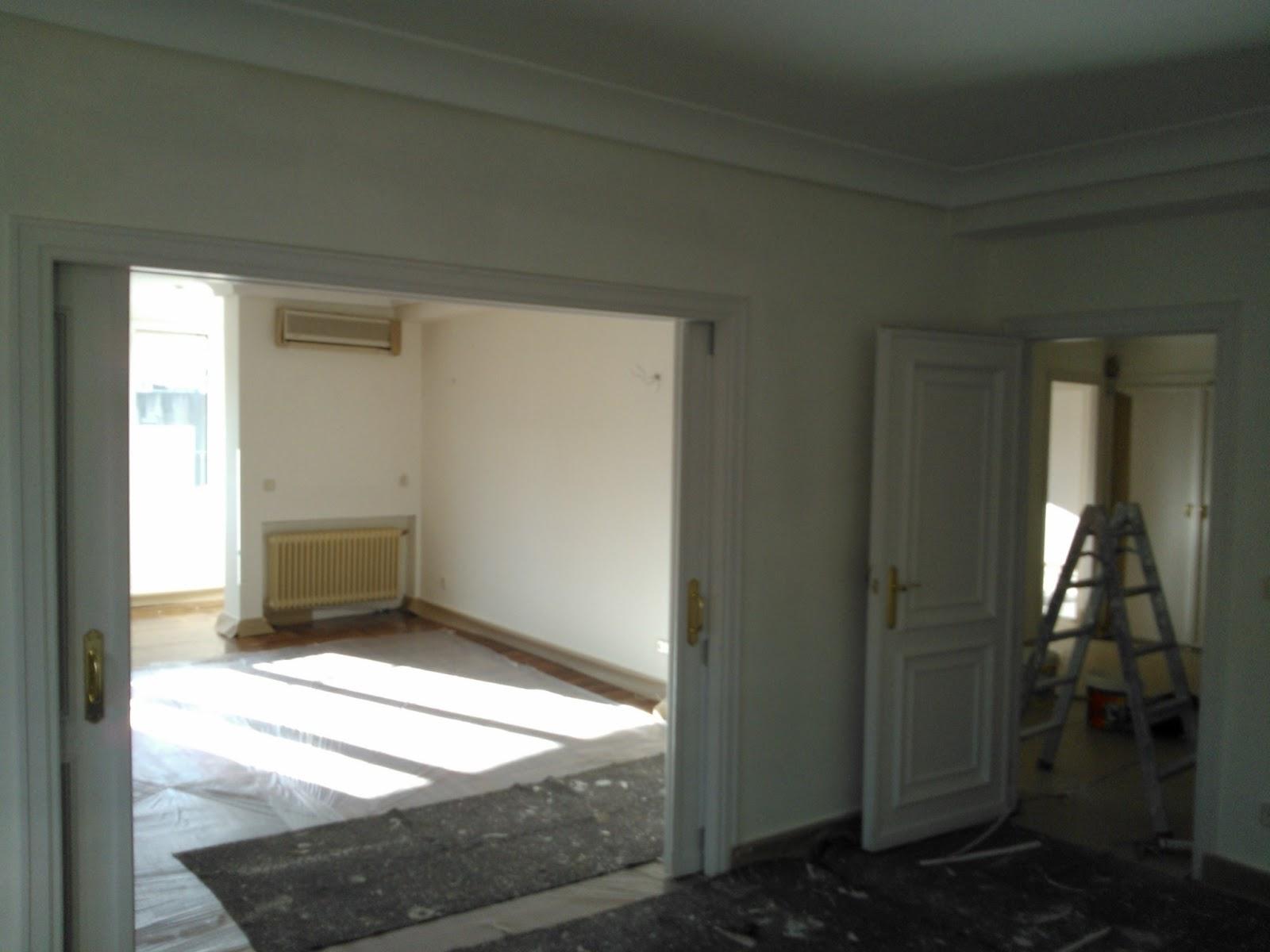 Mondecor s l piso pintado en pintura plastica blanca lisa y puertas rodapies armarios en Color blanco roto para paredes