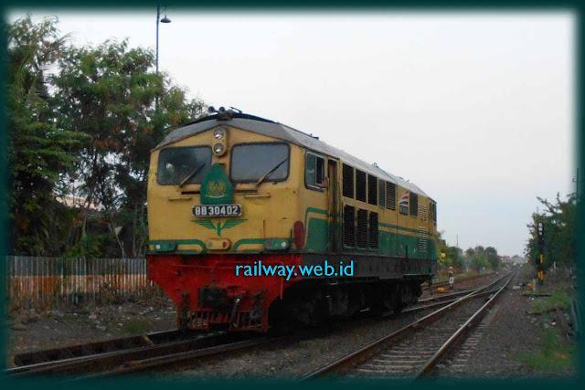 Gambar Lokomotif BB30402