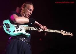 7 Pemain Bass Terbaik Dan Terpopuler Di Dunia.alamindah121.blogspot.com