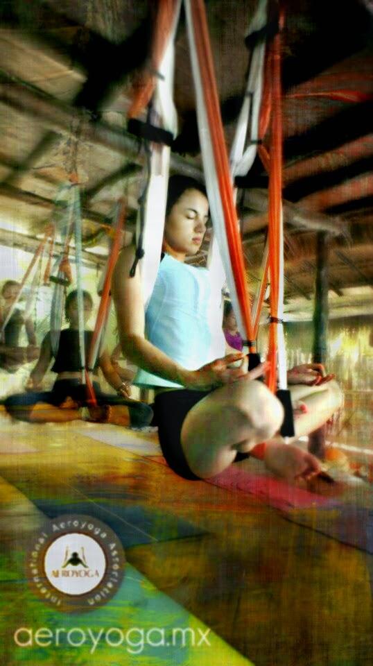 yoga aereo trapecio columpio