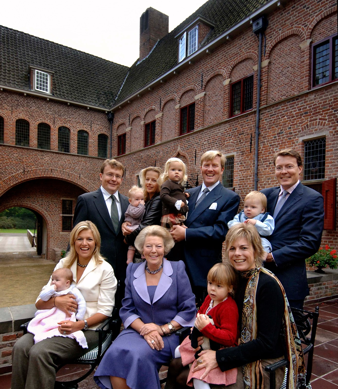 marie poutine 39 s jewels royals king willem alexander and queen maxima. Black Bedroom Furniture Sets. Home Design Ideas