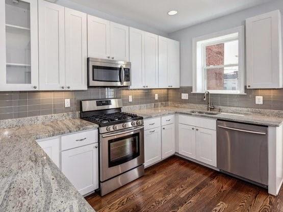 Perbedaan kekurangan kelebihan dari granit marmer for Harga pasang kitchen set