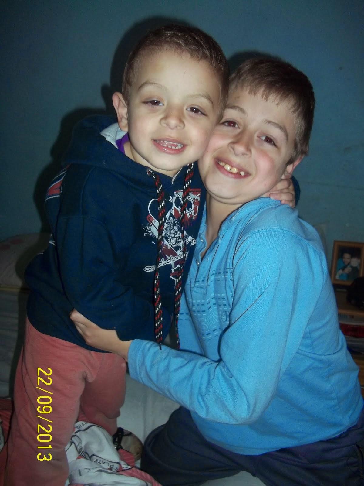 Con su hermano Agus