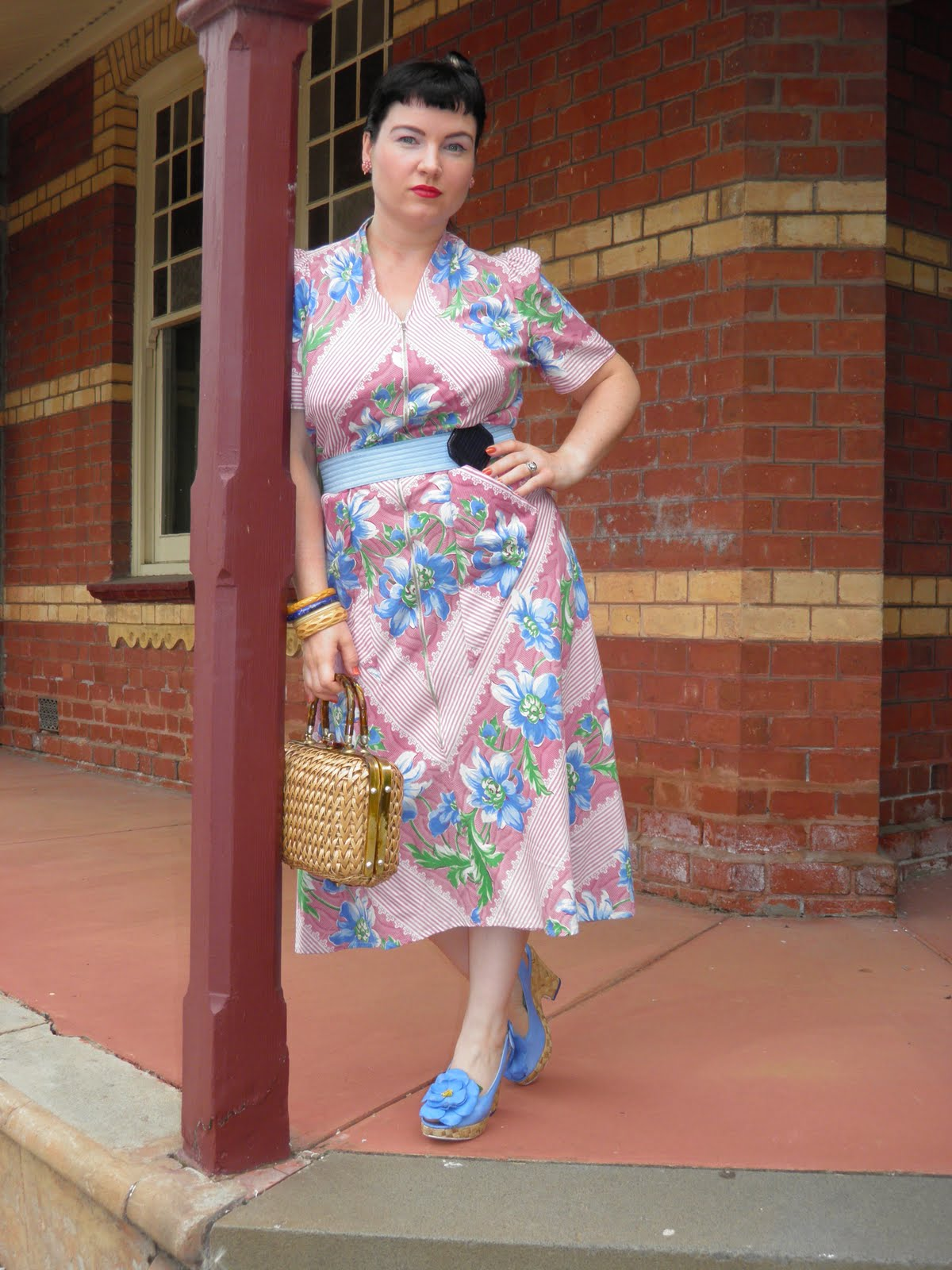 Vintage musings of a modern pinup 1940 39 s housewife for Modern housewife