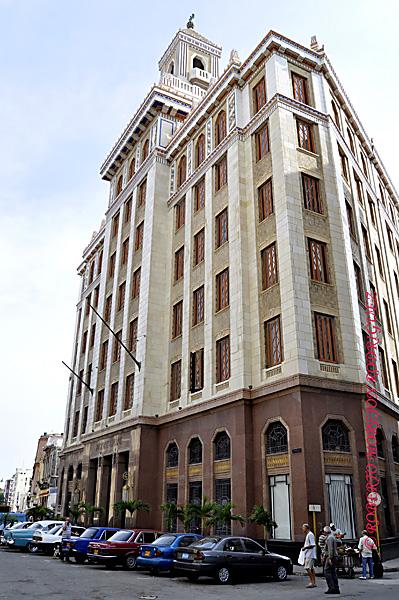 Edificio Bacardí en La Habana, Cuba, el 12 de marzo de 2013. Esta construcción de 1930 es la obra maestra del Art Deco habanero.