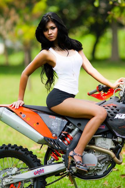 Foto Syur, Hot dan Seksi Putri Angraini