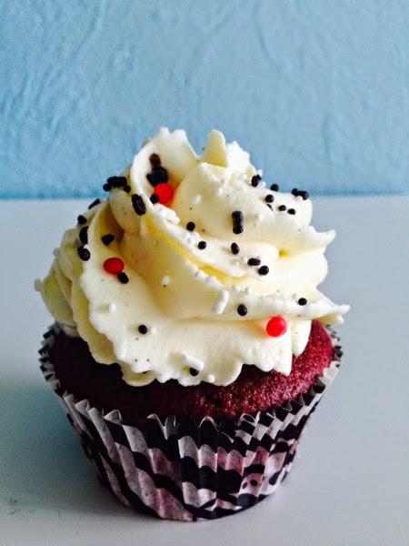http://cecilecupcakecafe.blogspot.de/2013/07/red-velvet-cupcakes.html