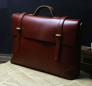 http://www.pilaeo.com/shop-mens/212917212/mens-fashion/briefcases-leather-bags-exclusive-genuine-leather-brown-vintage-mens-briefcase-messenger-p-495.html