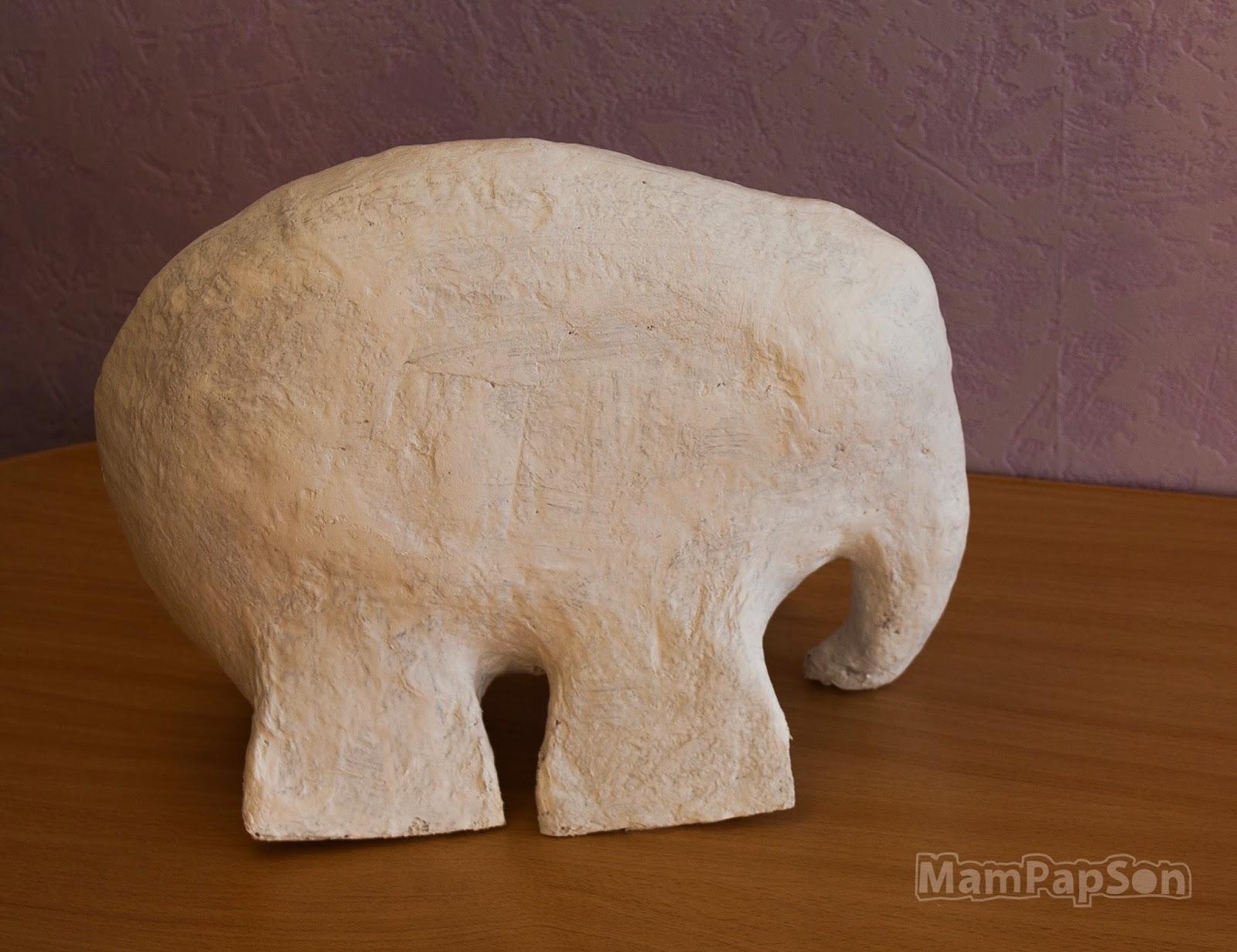Слон из папье маше