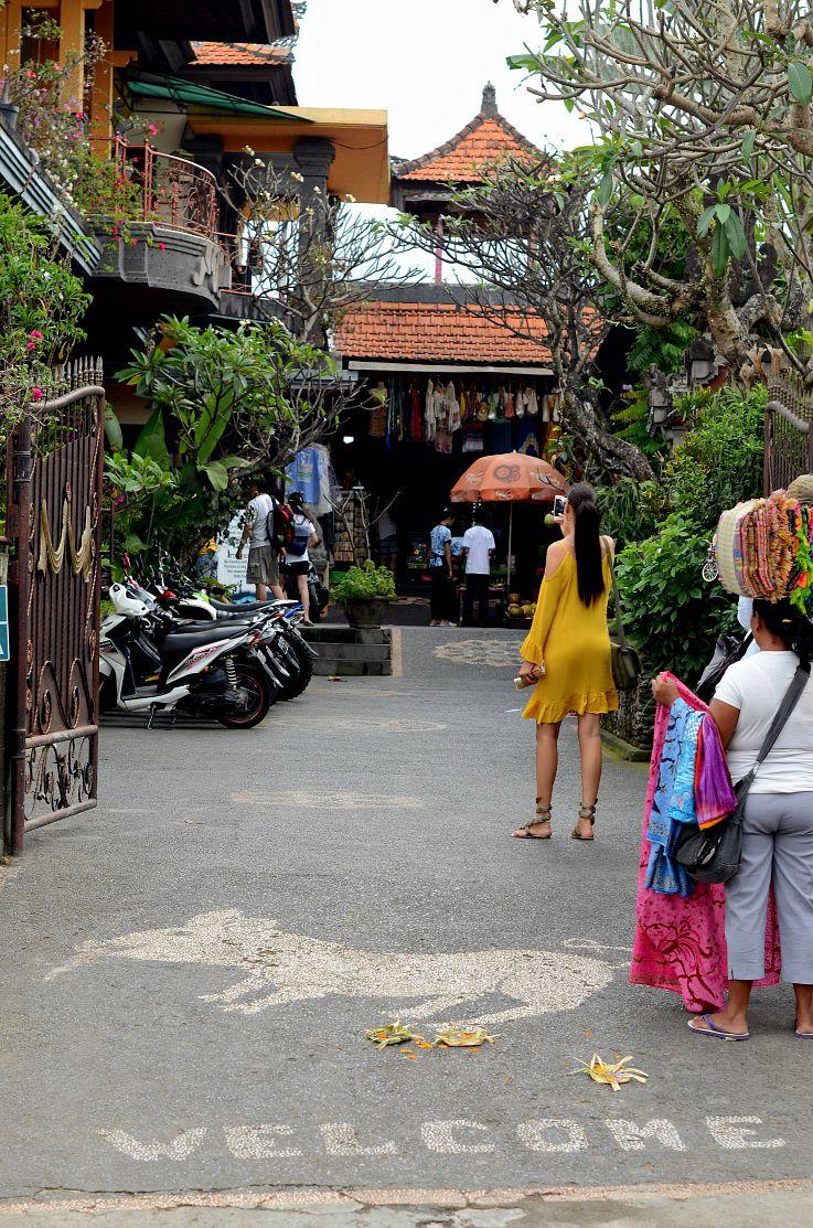 Ibu Oka, Babi Gulling restaurant, Bali, Indonesia, Tamara Chloé