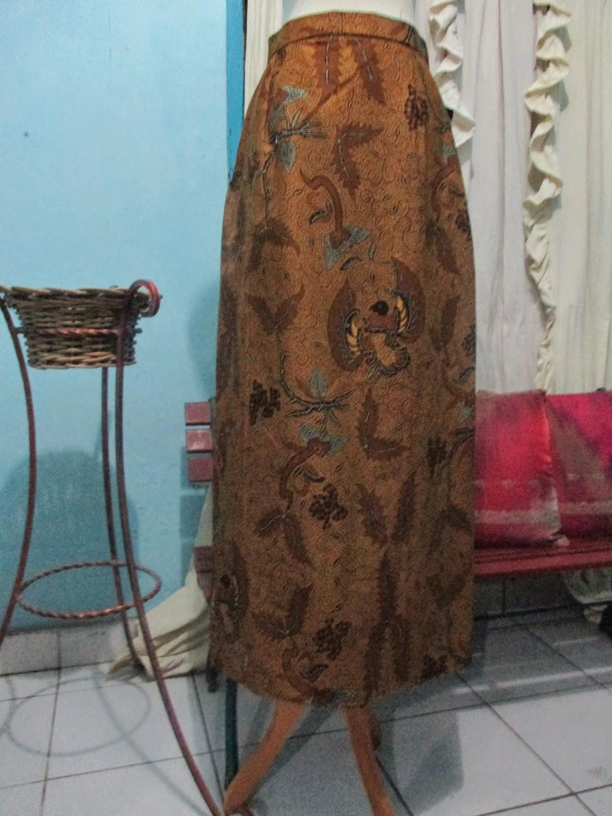 Model Rok Panjang Muslimah Batik Modern Terbaru 2015