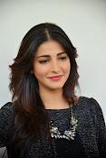 Shruti Haasan Glam pics-thumbnail-28