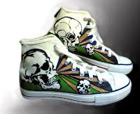 Sepatu Lukis Tengkorak Cowo Rp 150 000,sepatu lukis cowok,sepatu lukis,sepatu lukis keren,sepatu,lukis