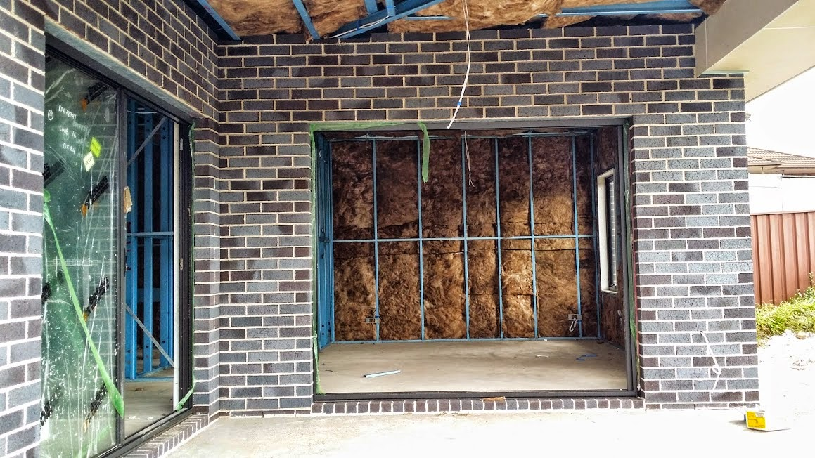 mark pete s new home mcdonald jones homes douglas 10m our rh markm1962 blogspot com Double Brick Homes Double Brick Wall