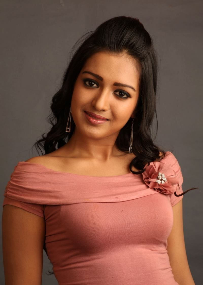 actress catherine tresa -#main