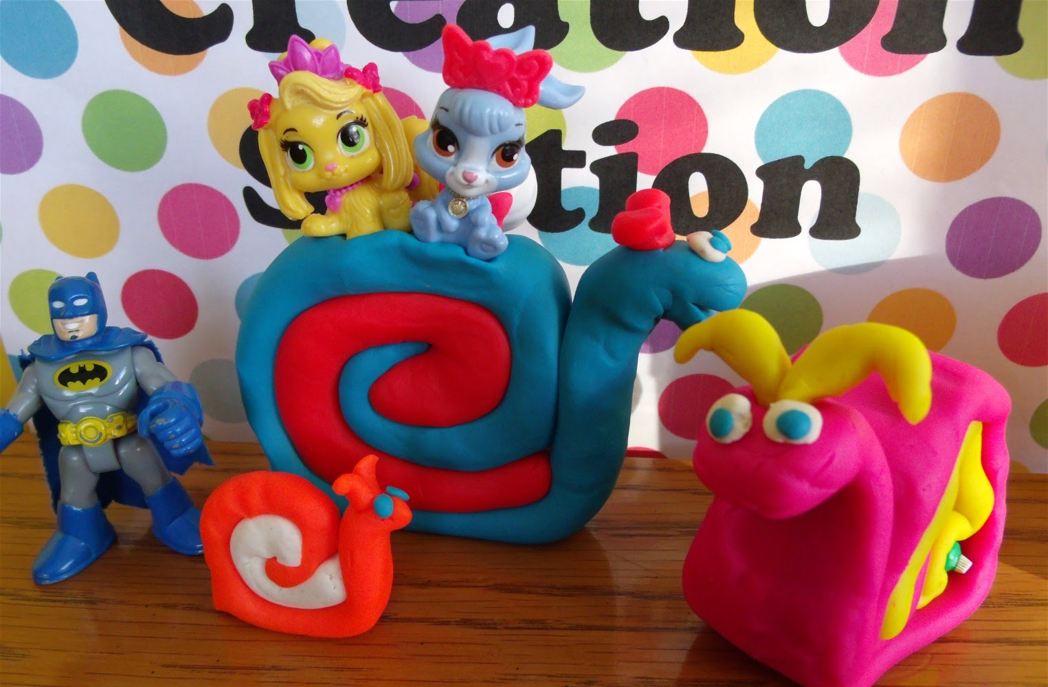 Shopkins and Palace Pets ride on Play Doh Snails