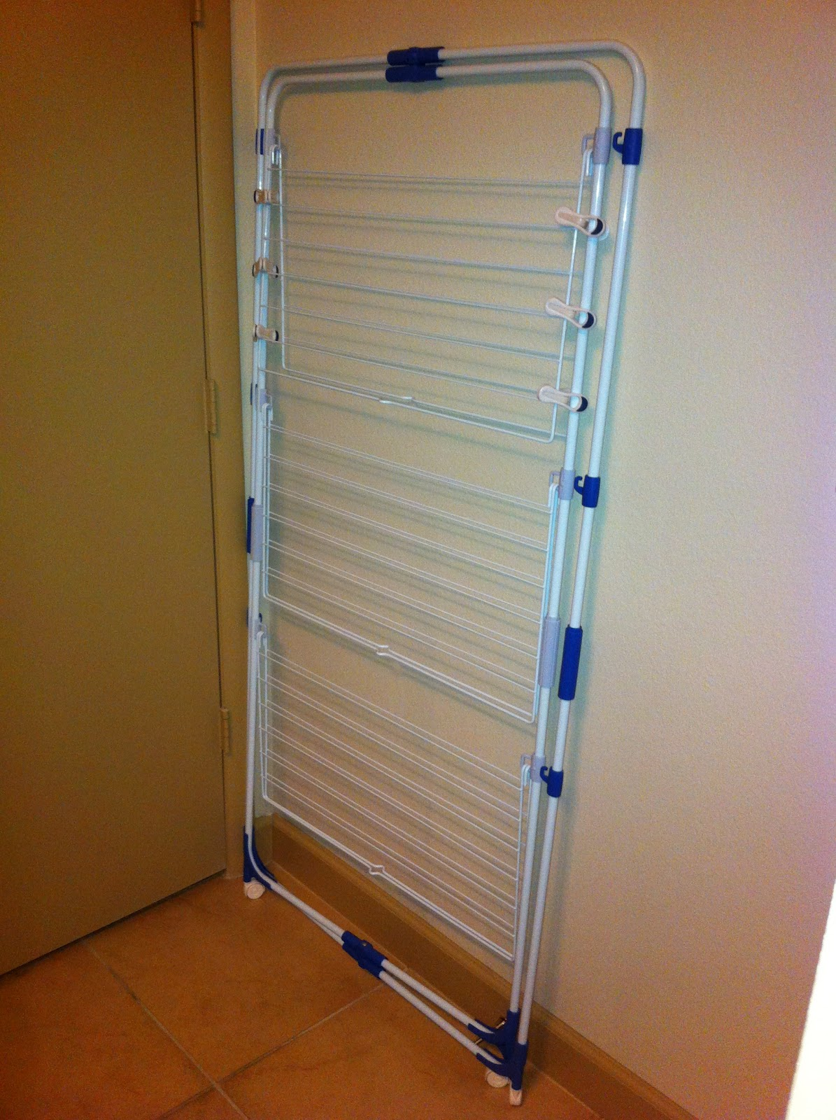 Small space solutions a great space saving drying rack - Laundry drying racks for small spaces property ...