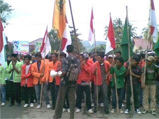 BEM NTB Raya Demo  Tuntut Pembebasan Warga