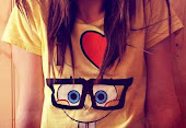soy  feliz, y a la gente le gusta saberlo:)