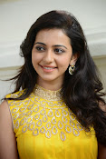 Rakul Preet Singh Gorgeous looking Photos-thumbnail-1