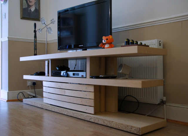 OptiMalm Prime: Malm bed base transformed into a TV Unit