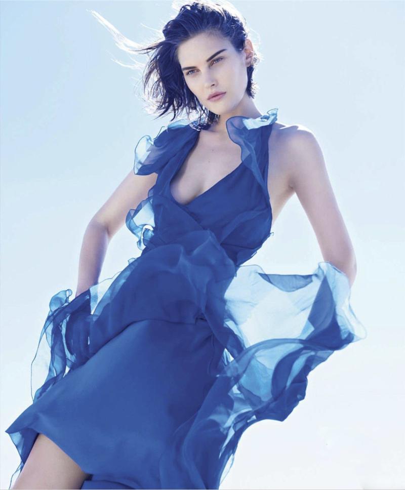 Catherine McNeil wearing Alberta Ferretti in Rhapsody in Blue / Harper's Bazaar US February 2014 (photography: Paola Kudacki, styling: Tony Irvine)