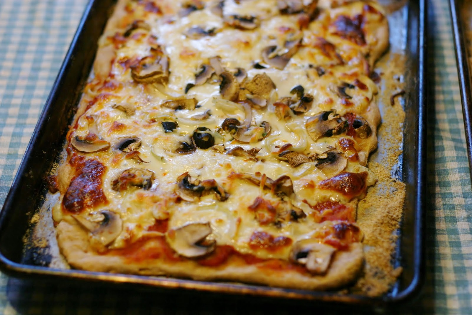 thrift at home: my very favorite (easy!) pizza crust