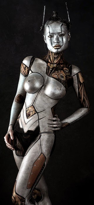 body paint argenté asiatique