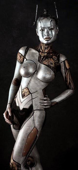 body paint argenté asiatique