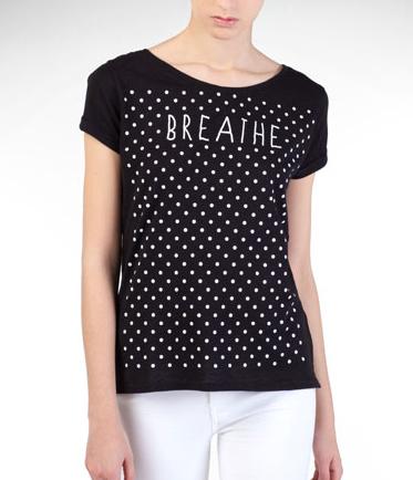 camiseta lunares stradivarius