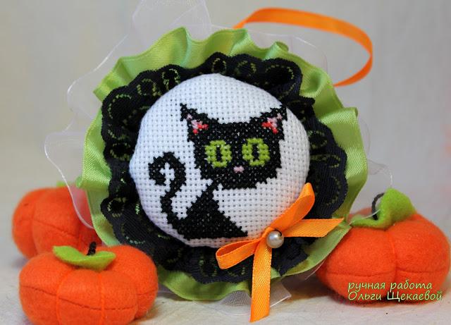 чёрный кот, вышивка, подвеска