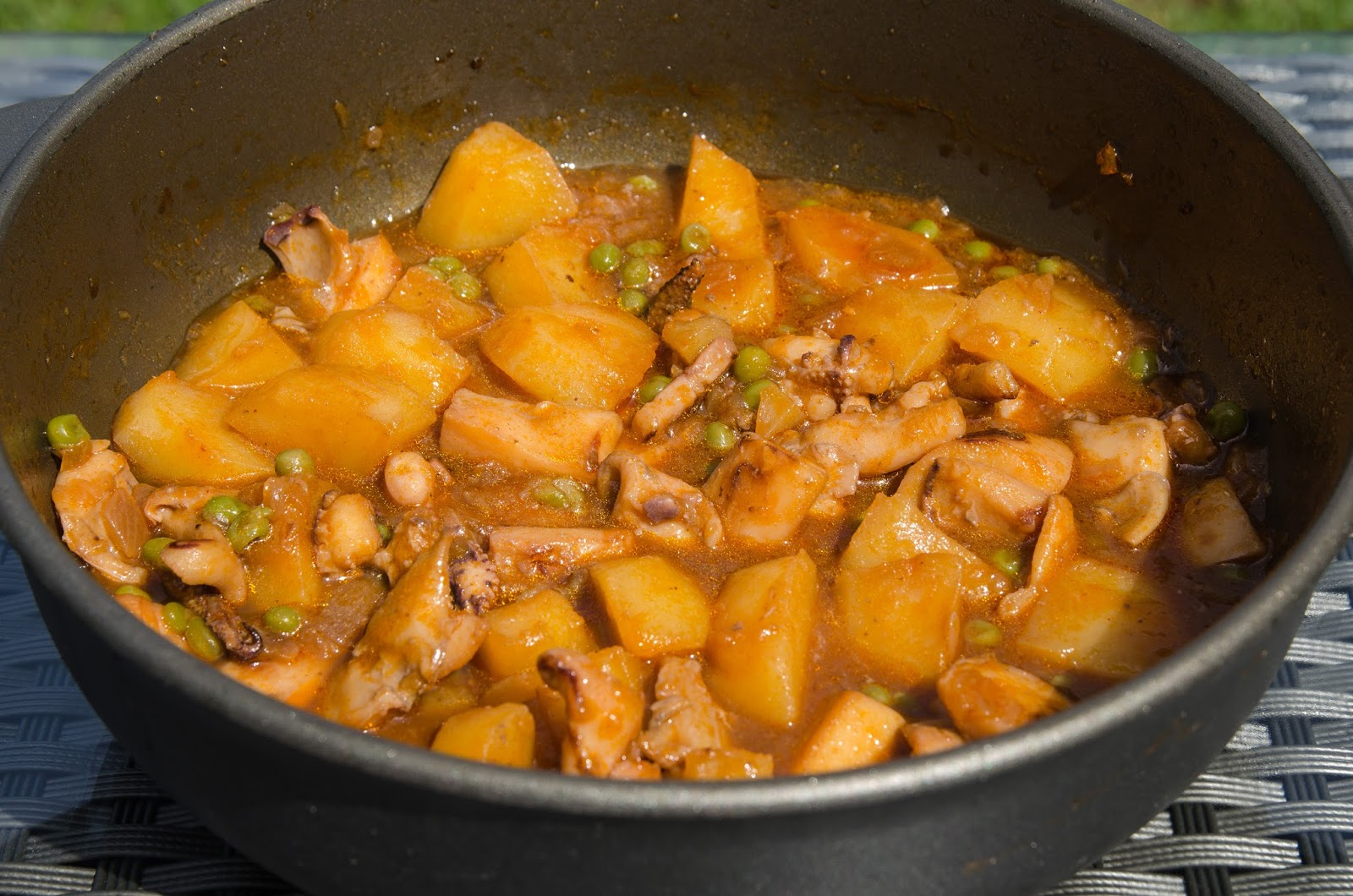 como-hacer-sepia-patatas-guisante-pescado-recetas-cocina-faciles-casera-saludable-sana-ligera-adelgazar-bruja
