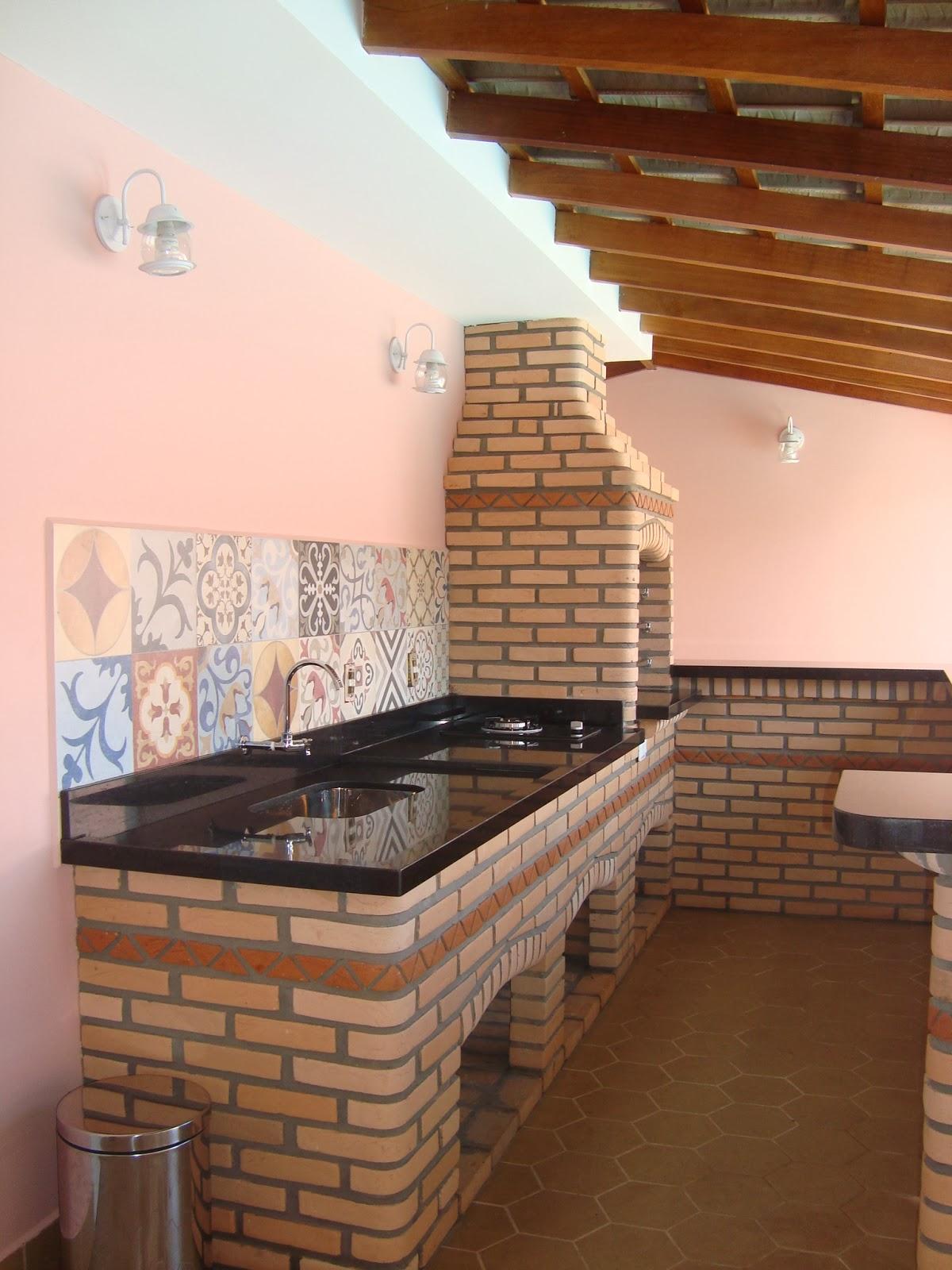 casa da Mi: Churrasqueira e Área de lazer  #9A5431 1200 1600