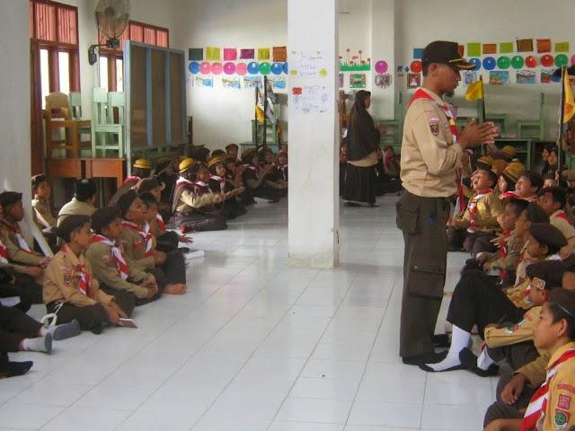 Tepuk 7 Ikhwan dalam Latihan Pramuka