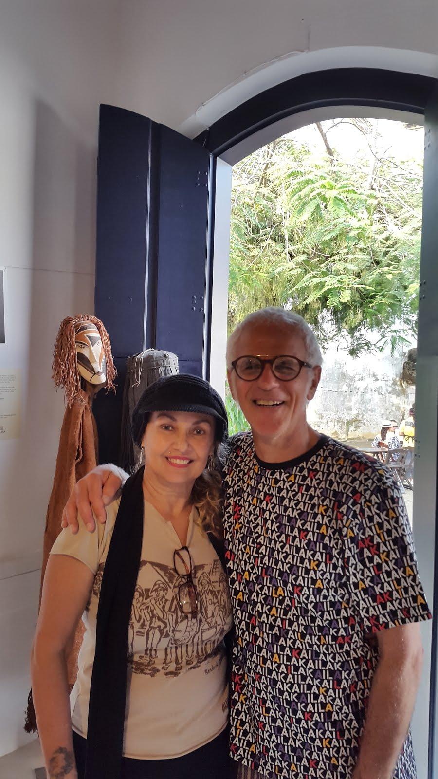 Eu e Gal na expo de fotos dele em Paraty