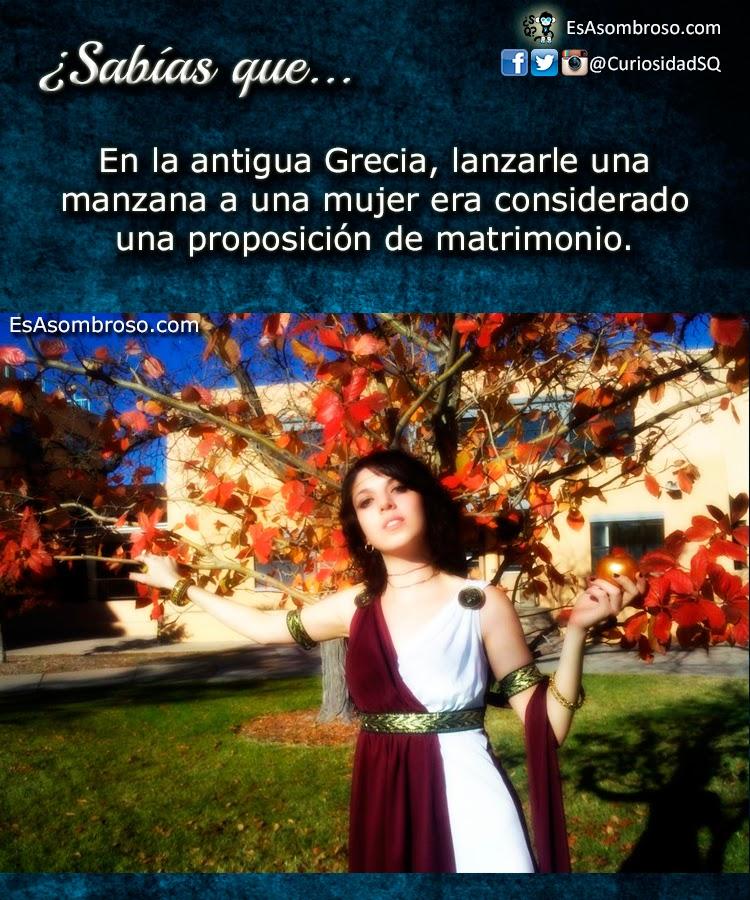 Matrimonio Tema Grecia : Lanzarle una manzana a mujer ¡matrimonio es asombroso