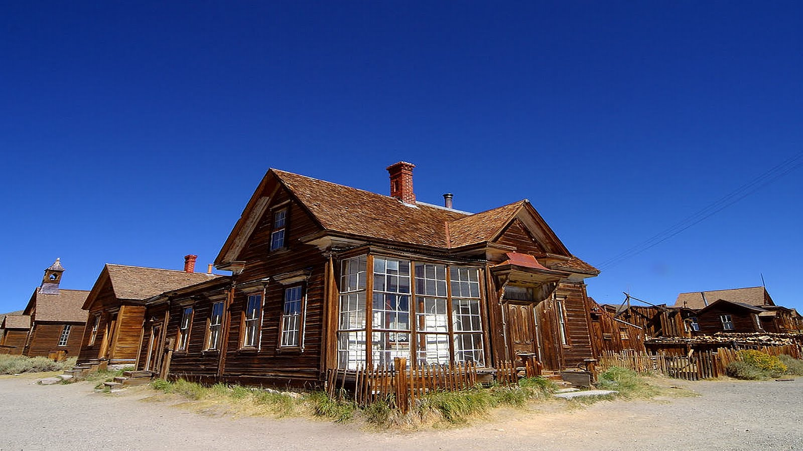 http://2.bp.blogspot.com/-pQY7Qc89ovU/TlyrjroCMZI/AAAAAAAAAEc/916mcUCZOAY/s1600/bodie-ghost-town-photography-art-image.jpg