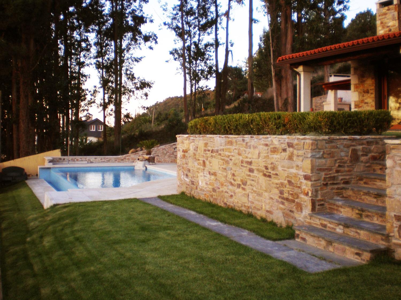Construcciones r sticas gallegas casa con piscina for Casas con piscinas fotos
