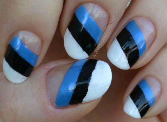 striped manicure, inspired by Estonian flag