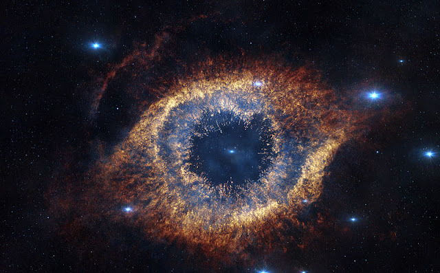 Galaxy that looks like an eye - Helix Nebula