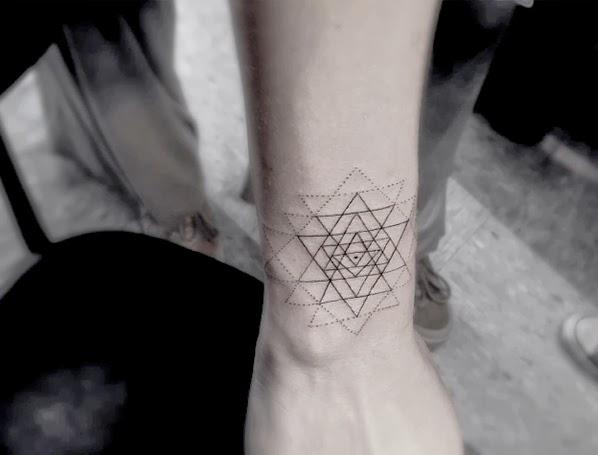 Avant garde design cool tattoos dr woo for Avant garde tattoo