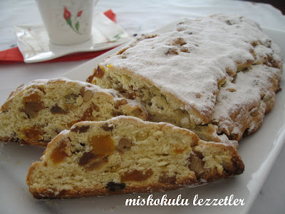 Mayalı Alman Keki (Weihnachtsstollen)