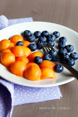 papaya_and_blueberries