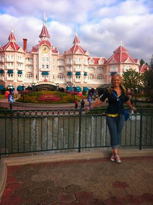 Disneyland Paris Enterance and Front Gate www.thebrighterwriter.blogspot.com