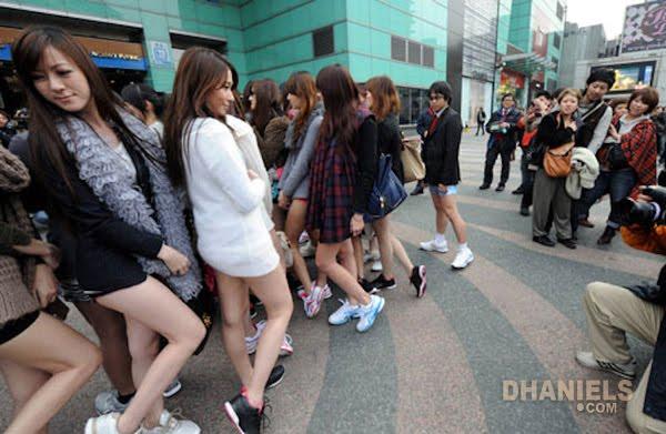 abg plus plus puluhan gadis cuma pakai celana dalam