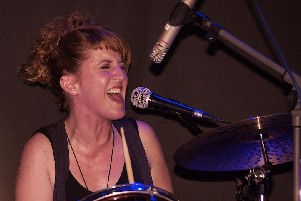 Ariadna Rius, batería de Agon Band