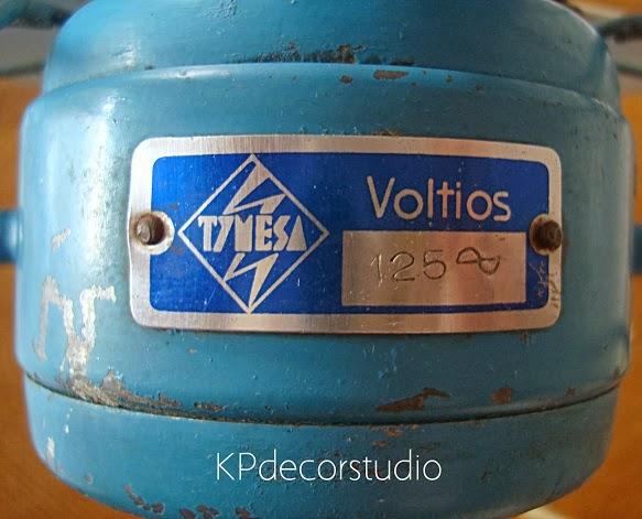 Ventiladores marca y modelo TYMESA 125 voltios color azul